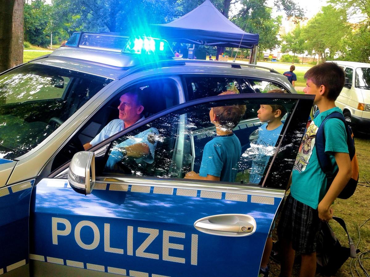 Polizeiauto 03