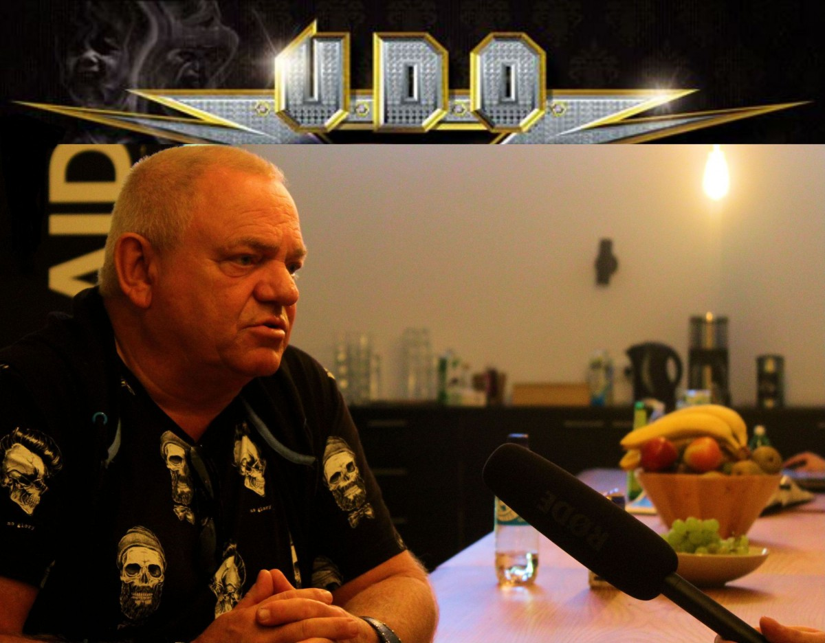 U.D.O. mit Banner